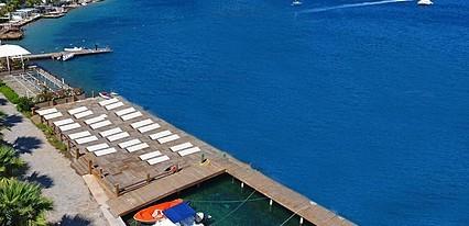 Türkbükü Hill Hotel Beach Havuz / Deniz