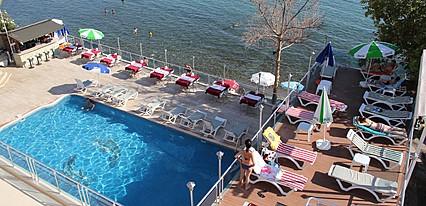 Ucem Hotel Golden Sea Havuz / Deniz