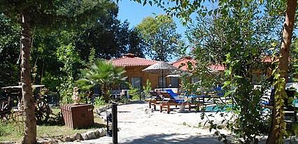 Utopia Lodge Hotel Havuz / Deniz
