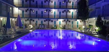 Uyum Otel Havuz / Deniz