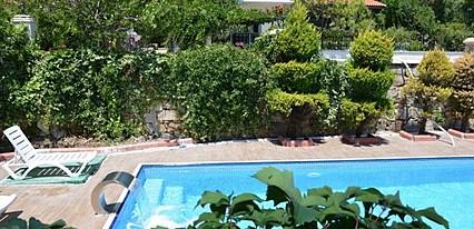 Uzun Otel Havuz / Deniz