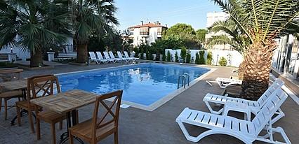 Uzunhan Otel Havuz / Deniz