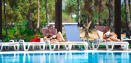 Venosa Beach Resort Havuz / Deniz
