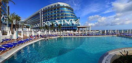 Vikingen Infinity Resort & Spa Havuz / Deniz