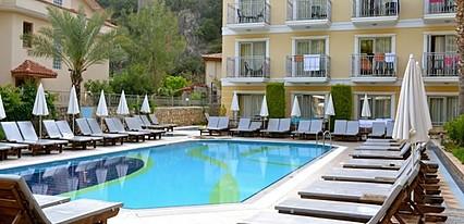 Villa Beldeniz Hotel Havuz / Deniz