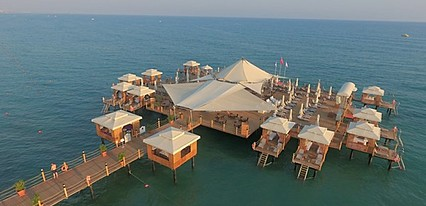 Von Resort Elite Havuz / Deniz