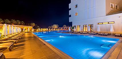 Vuni Palace Hotel & Casino Havuz / Deniz