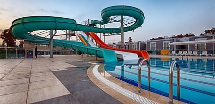Wonasis Resort & Aqua Hotel Havuz / Deniz