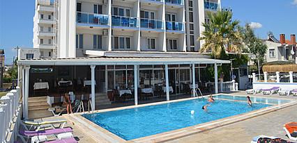 Yasmin Otel Havuz / Deniz