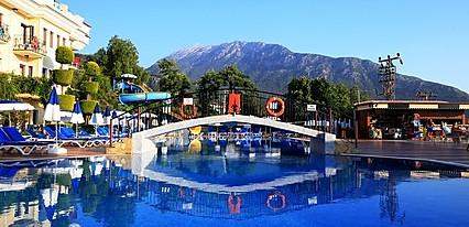 Yel Holiday Hotel Havuz / Deniz