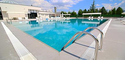 Yoncali Thermal Hotel Havuz / Deniz