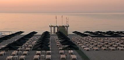 Zena Resort Havuz / Deniz