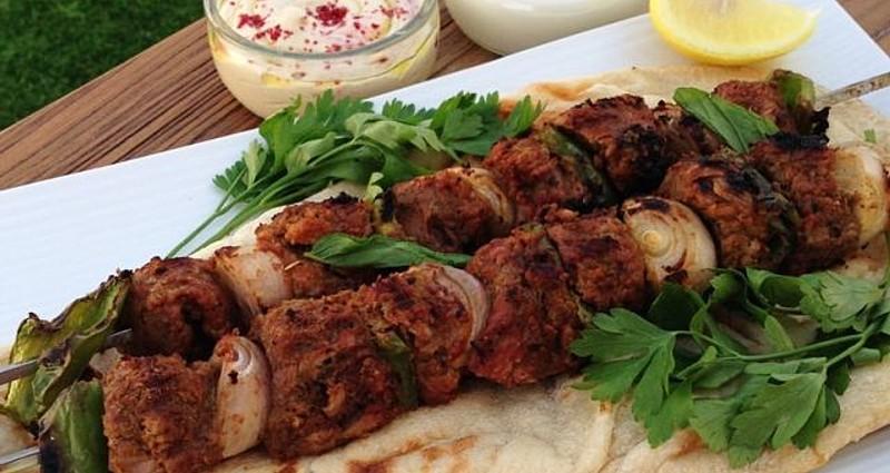 Birleşik Arap Emirlikleri'nde Yeme İçme