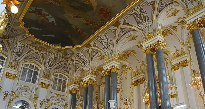 St. Petersburg'da Sanat ve Tarih