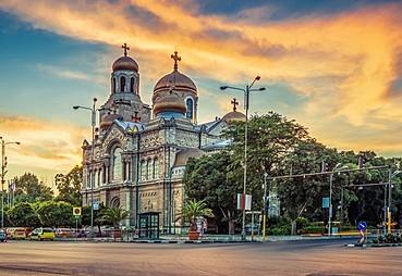 Kişinev-Köstence-Varna (otobüsle, yak. 612 km)