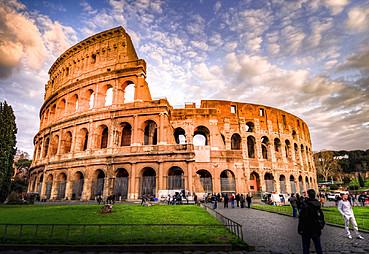 Napoli – (Pompei Turu) – Sorrento – (Amalfi Kıyıları Turu) – Roma